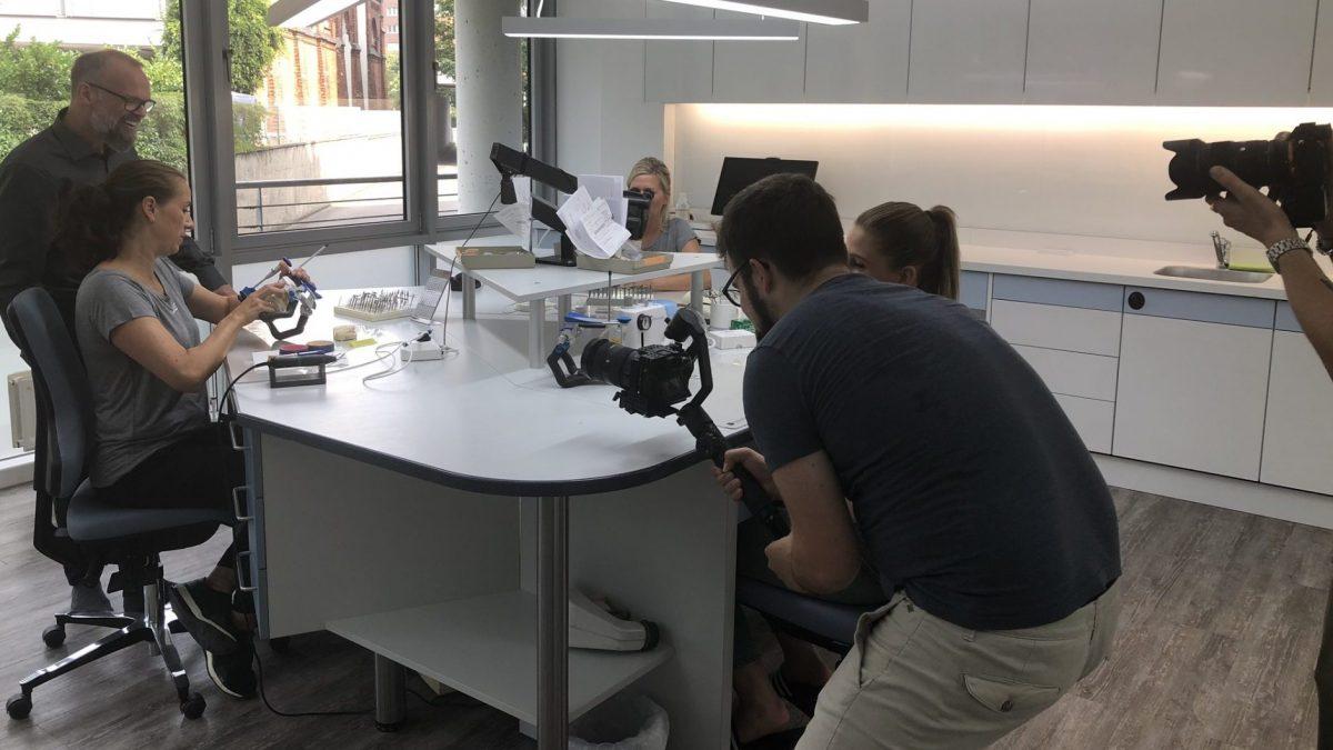 Videodreh für den neuen Labor-Imagefilm - LebenDich Dentalstudio GmbH